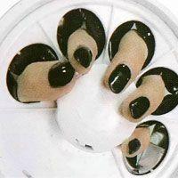 4. Namontujte kryt s otvory pro prsty; zapněte zařízení (svítí
